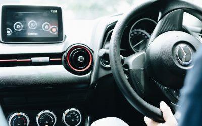 Comprendre les systèmes d'aide à la conduite de votre voiture.
