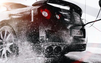 Les choses à faire et à éviter pendant le lavage de votre voiture