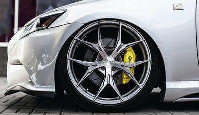 Peut-on mettre de l'air normal dans des pneus remplis d'azote ?